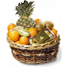Fruit basket 4 kg with Ferrero Rocher